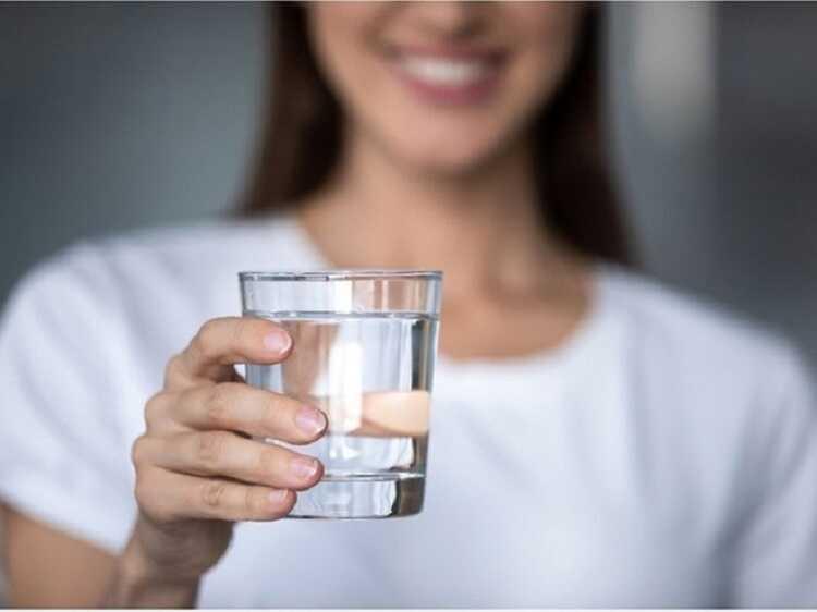 Tác hại của việc uống nước