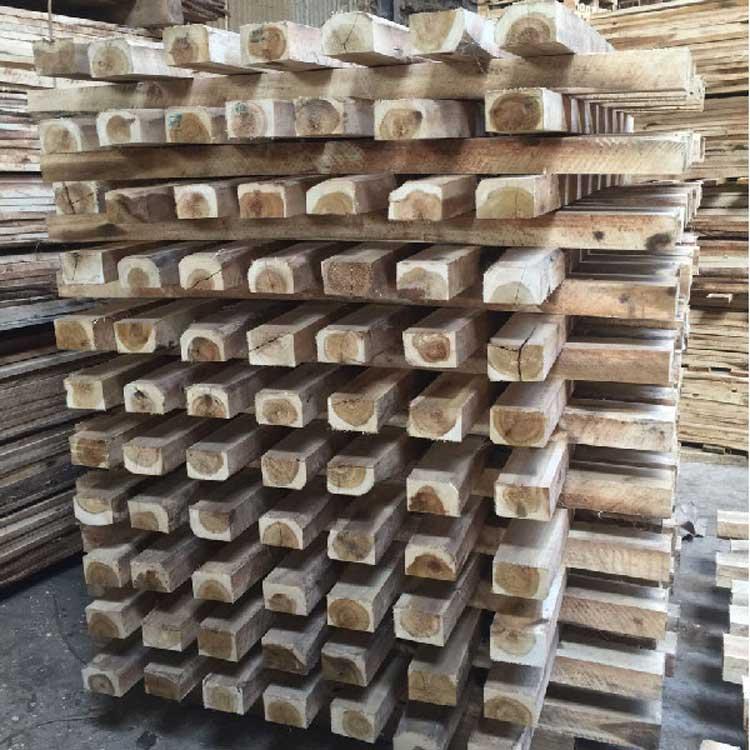 bảo quản hàng hóa bằng ván gỗ